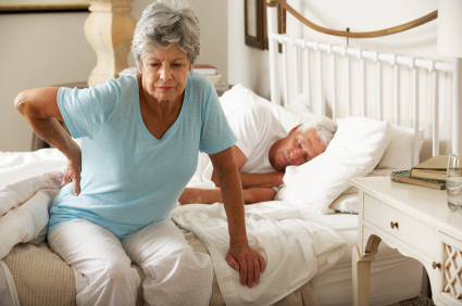 Sleeping habits every senior should adapt to avoid back problems
